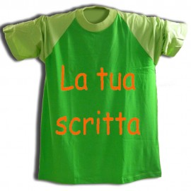 T-shirt Verde con maniche verdino e testo personalizzato