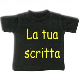Mini t-shirt nera con gruccia e ventosa da appendere in auto